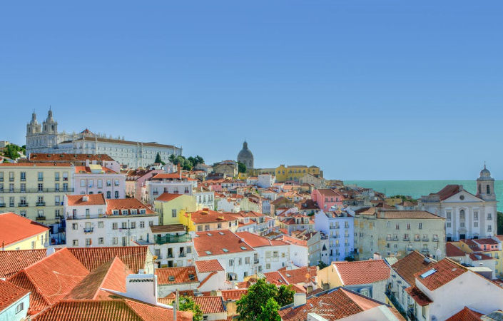 Foreigners are buying more houses in Portugal