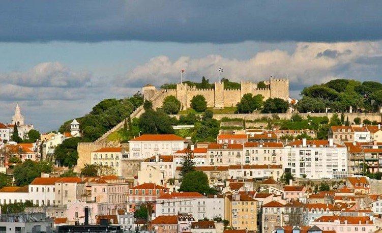 Fim dos Vistos Gold provoca corrida de investidores chineses à compra de casas em Portugal