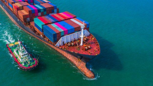 Comércio internacional da China sobe mais de 32% até fevereiro