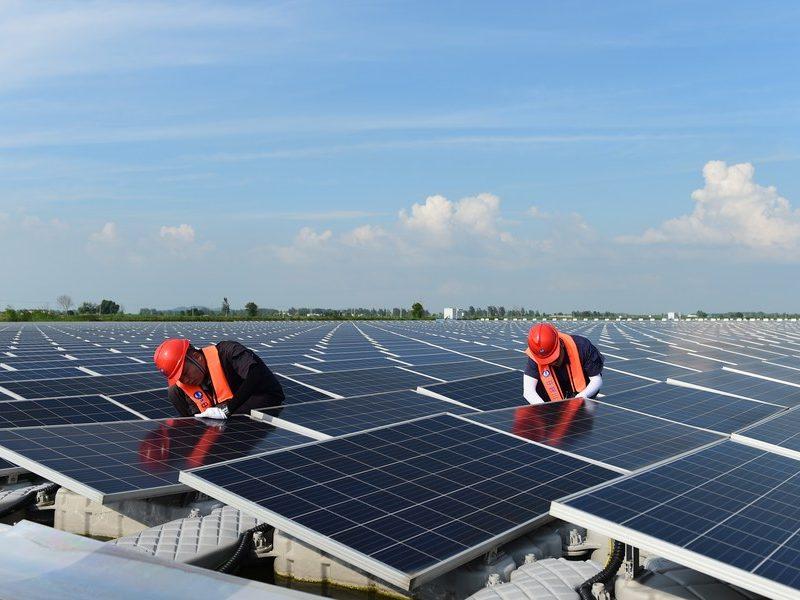 Indústria fotovoltaica da China registra rápida expansão no primeiro semestre